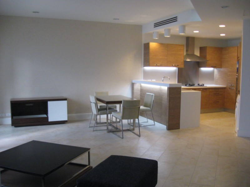 Luxury apartment for rent in Golden Westlake, East Building